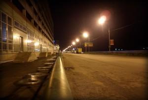 Ночная дорога улицы Солнечная в Граде Московском