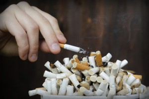 Перечень мест, где запрещено курить, расширен