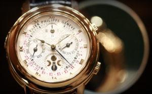 Оригинальные швейцарские часы являются роскошью для россиян