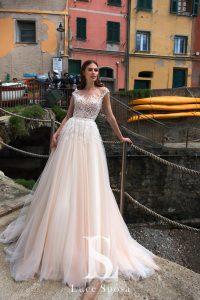 Свадебное платье айвори А-силуэта