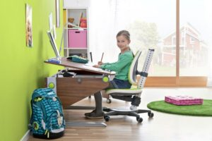 Как выбрать качественный ортопедический стул для школьника?