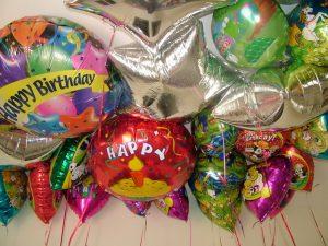 Почему шарики из фольги будут лучшим украшением для праздника