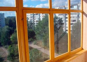 Экологичные окна из дерева – разумное решение для города