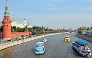 Современный летний отдых в столице: преимущества прогулок на теплоходах по Москве-реке